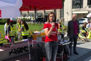 Zanda Martens auf der Demo vonVer.di